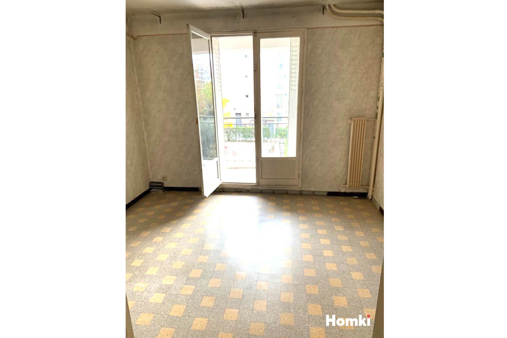 Homki - Vente Appartement  de 55.0 m² à Marseille 13009
