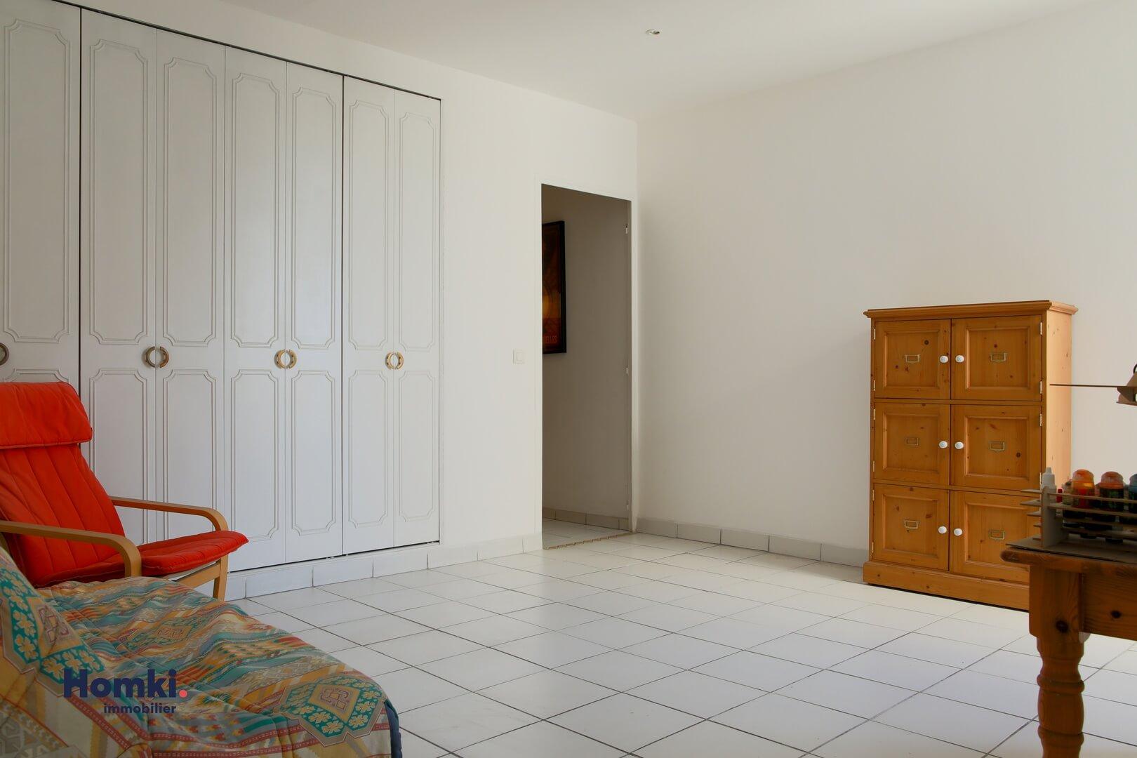 Homki - Vente Appartement  de 87.0 m² à Marseille 13006